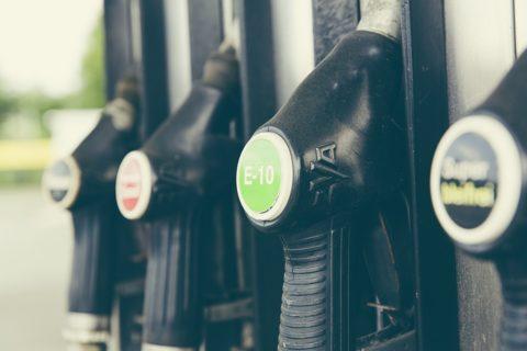 La hausse des prix des carburants est injuste et inefficace en l'absence d'une véritable transition écologique et sociale