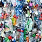 Veille  Toute l'absurdité de l'eau en bouteille plastique dans une infographie