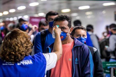 Veille En niant la gravité de l'épidémie, Bolsonaro met les favelas et les peuples autochtones en grand danger